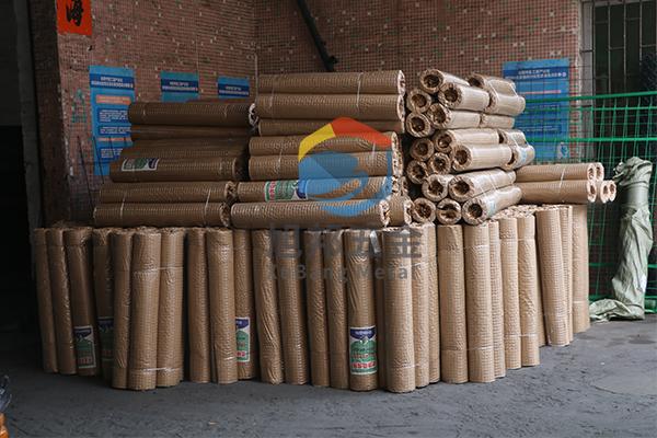 东莞建筑网片生产厂家200卷建筑镀锌批墙网防裂网完工打包发货